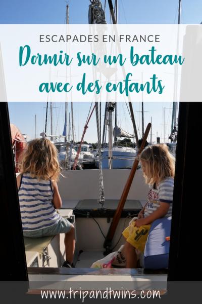 bateau avec des enfants - trip and twins
